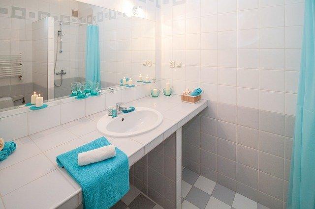 פריטים חשובים לשמירה על סדר והיגיינה בשירותים