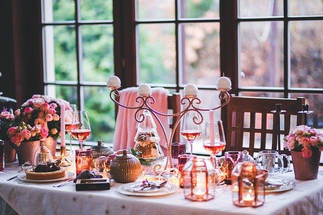 כיצד לעצב שולחן לקראת החג?