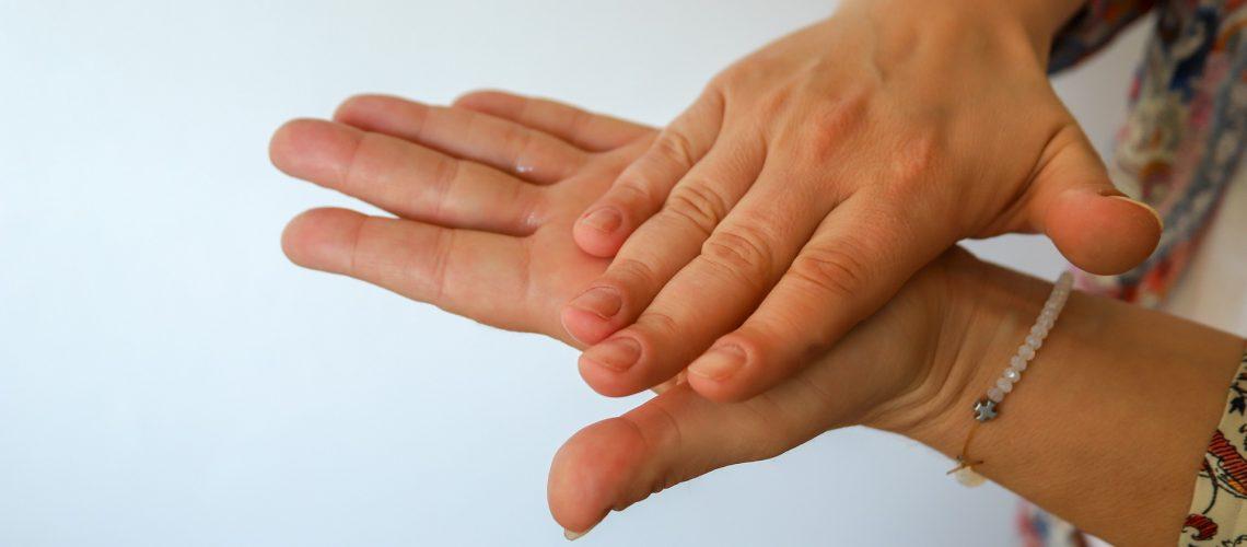 מתקן חיטוי ידיים אוטומטי